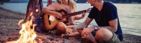 10 Best Beginner Acoustic Guitars 2021